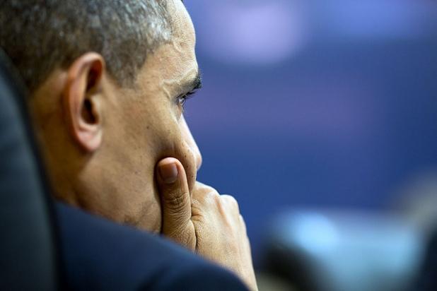 El presidente escucha atentamente durante una reunión del Consejo de Seguridad Nacional. Créditos: Pete Souza