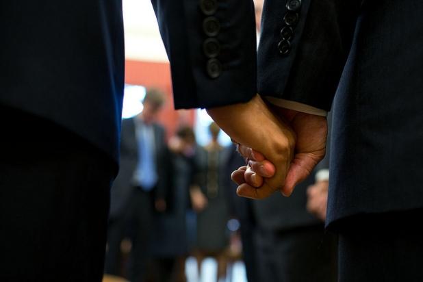 Las manos del Presidente y Vicepresidente de los USA. Fecha: 23/11/2013. Créditos: Pete Souza